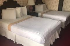2 Queen Beds (2)